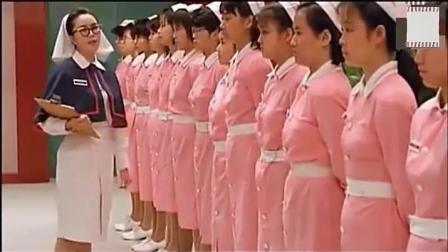 护士岗前培训 护士长直接找来人体模特来做教程