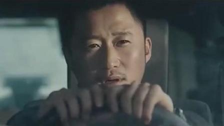 吴京这样开车你服不服, 场面一点也不比战狼2坦克漂移差
