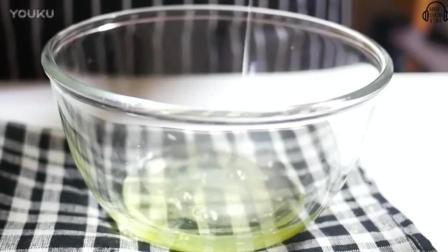 蛋糕裱花教学视频七夕将至, 要不给他做个草莓巧克力漩涡蛋糕-_高清xv0打发淡奶油