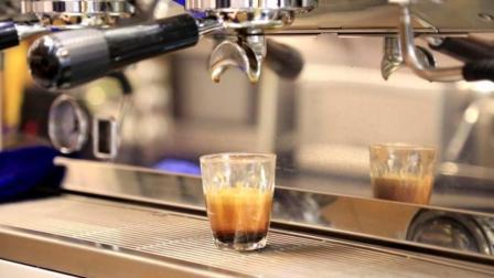 浓缩咖啡制作流程: 意式咖啡机操作先搭架子, 再修内力