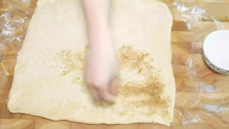 肉桂面包卷的做法  美味又好看_