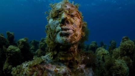 震惊! 海底发现神秘人类 疑似特异外星人