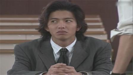 为了重燃瀬名的斗志,佐佐木教授可是说尽了各种好话