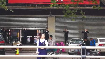 临汾: 手机街拍尧都区某店外跳舞的美女们-美好生活从清晨开始!