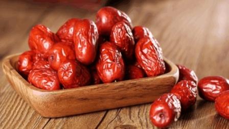 吃红枣少了这1步, 不仅不能补血还严重伤身, 中老年人尤其要注意