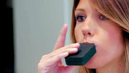 这款解放双手的电动牙刷, 3秒即可清洁牙齿!