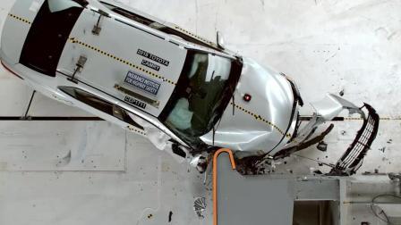【汽车安全】IIHS, 2018 新一代丰田凯美瑞Toyota Camry乘客侧25%小面积重叠偏置碰撞测试