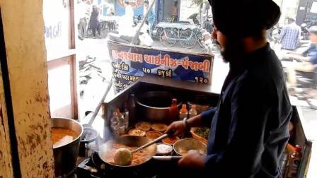 印度大厨炒菜真霸气, 炒一份菜放8种调料, 调料是不是不要钱