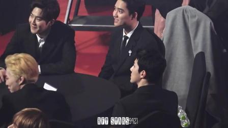 EXO都暻秀这表情说明一切 其他成员非常支持他