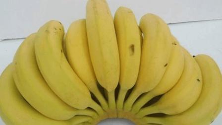 香蕉放久了容易发黑, 农村姑娘教你保存香蕉的窍门, 让香蕉多放几天