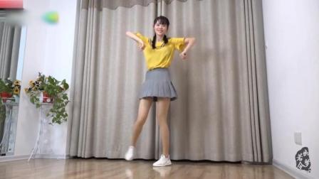 美女小君原创鬼步舞《Panama》歌曲很魔性, 舞蹈很给力!