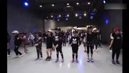 超可爱的儿童舞蹈《24K Magic》学舞蹈是需要天赋的