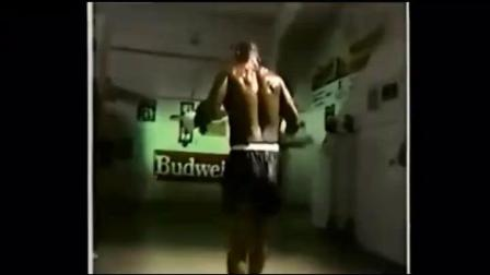 跳绳是拳击手的必修课! 看看泰森的跳绳的就知道他为何会如此敏捷