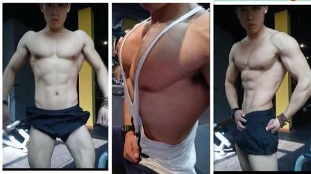 女人嫉妒的胸肌, 男人需要女人那样大的胸吗? 答案在视频里找吧