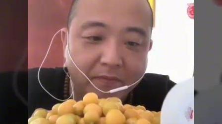 北京老炮儿哥开吃啦, 姑娘果, 大口天津炸酱面, 味道还是嘎嘎香!