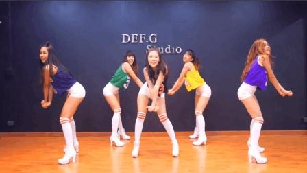 神曲《Panama》--肤白貌美大长腿的妹妹跳C哩舞, 看30次还想看!