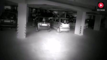深夜停车场发生的灵异事件, 监控突然拍到了这样的画面!