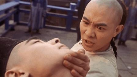 李连杰一部电影史上教科书式的动作片, 打斗戏堪称功夫片中的巅峰, 火爆至今