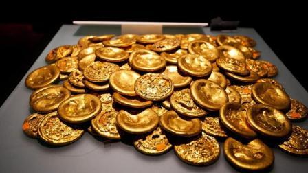 农民在乱坟岗挖出219枚黄金饼, 意外揭开汉朝70万斤黄金失踪之谜
