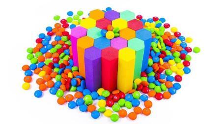 DIY如何制作太空沙 彩虹六边形m&m巧克力蛋糕动力沙丘瑞典泥冰淇淋做法【俊和他的玩具们