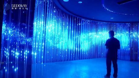 """场景营造的光影法: """"彩立方""""沉浸式三维LED显示"""