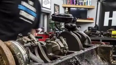 实拍: 国外牛人翻新一台废弃克莱斯勒汽车发动机