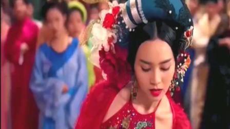 泰国版《灰姑娘》, 太监拿出一双鞋, 谁能穿上它, 谁就当太子妃!