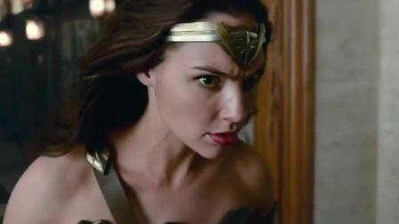 《正义联盟》曝片段, 蝙蝠侠神奇女侠对战荒原狼, 巨型机器人抢戏