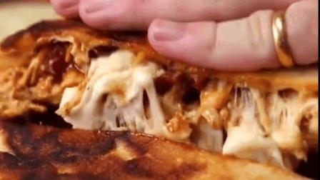 别再买披萨吃了, 自己做多好, 配料和做法都简单, 关键是好吃。