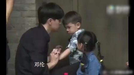《爸爸去哪儿5》嗯哼大王撩完泡芙撩小山竹, 杜江无奈: 我真受不了你能坐会吗