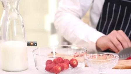 家庭自制草莓牛奶味果冻