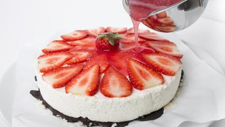 不用烤箱就能做的水果蛋糕做法, 非常简单, 假期在家可以试试哦~ 