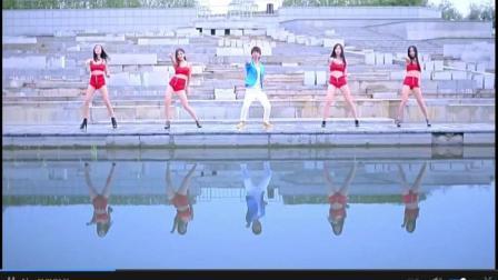 牛人造萝莉舞PK神曲小苹果 - 微视频 - 2017网络流行歌曲
