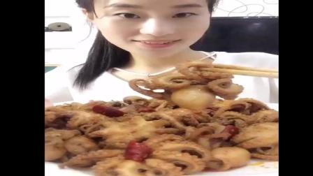 美食蕾姐说: 不要管我放不放毒, 你看我吃的开心不开心