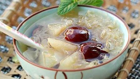 小鲁教你学煲汤之冰糖雪梨炖银耳的做法, 养气血, 润肠胃, 专为女人们准备的美容养颜汤