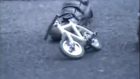 最搞笑的视频合集 这自行车能骑吗
