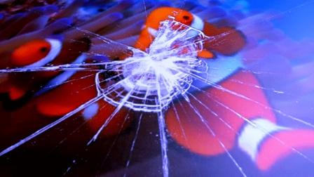 C4D中文视频教程 如何制作玻璃破碎效果