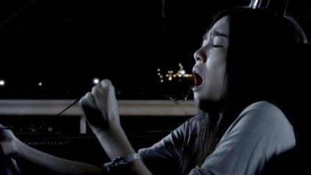 女子被人下尸油蛊, 醒来从嘴里拉出一缕头发, 时常不记得自己做了什么事