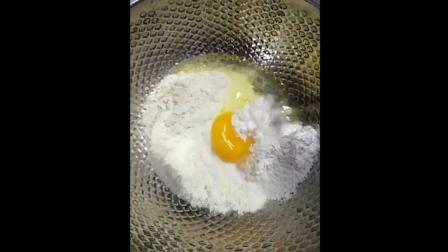 视频教你如何制作油炸排骨, 如此美味的美食小吃, 嘴馋了