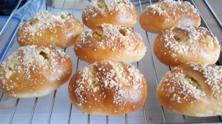 菠萝小酥粒面包