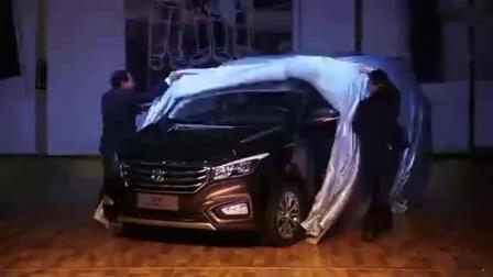 长安MPV凌轩汽车展示 售价6万元七座家用商务车