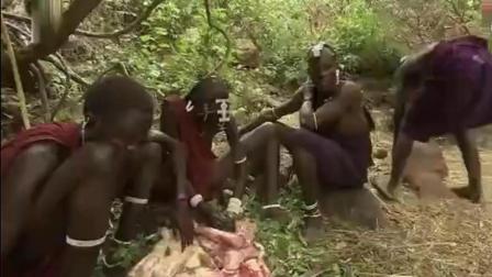 荒野求生;非洲原始部落的生活: 喝动物血吃生肉, 酋长儿子仅10几岁就想娶妻