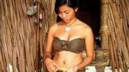 史上奇葩的原始部落, 一夫一妻制, 女人们却不能拒绝任何有需求的男人