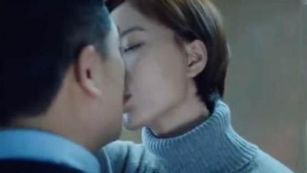 《急诊科医生》王璐丹热吻张嘉译  性情中人壁咚