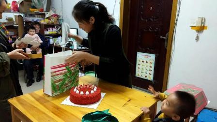 生日蛋糕上写什么字好