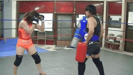 """她是全日本""""格斗女王"""", 在世界UFC中号称最能打的女人"""