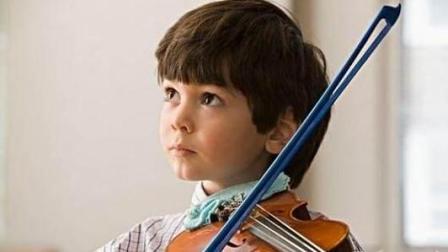 三岁非裔小萌娃现场拉小提琴, 萌即正义!