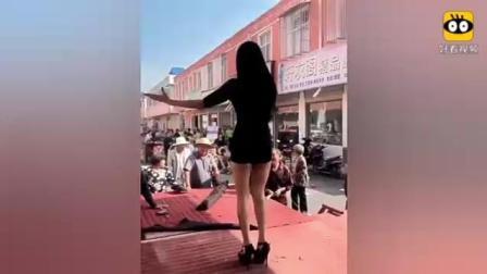 农村办事花5000元请的歌舞团
