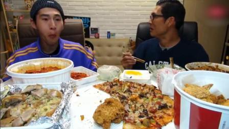 韩国大胃王吃播奔驰小哥BANZZ吃披萨炸鸡桶, 年糕和炸酱面等大餐
