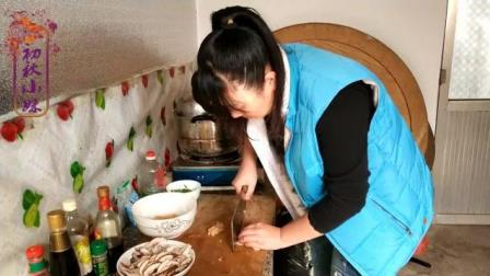 农村小妹做的香菇鸡肉粥, 食材简单, 做法一学就会, 营养美味